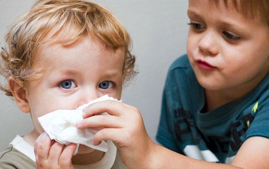 تغذیه و درمان گلودرد و آبریزش بینی در کودکان