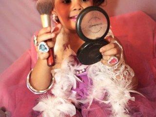 تمایل به استفاده از لوازم آرایشی در کودکان و نوجوانان
