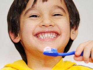 زيبايی دندانها با خمير دندان مناسب