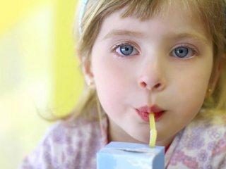 نوشیدنیهای خوب و بد برای بچهها