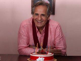 جشن تولد مجید مظفری در «زندگی آنلاین»