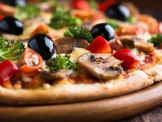 همه چیز درباره پیتزا؛ پیتزا خورا بخونن! (1)