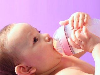 عوارض استفاده زیاد از شیشه شیر و پستانک