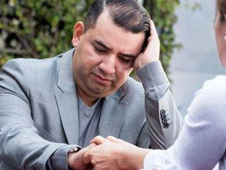 همسر افسرده خود را دریابید
