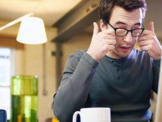 روش های رفع خستگی چشم بر اثر کار با کامپیوتر