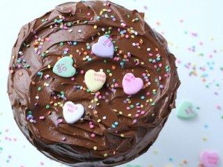 کیک شکلاتی با سس کارامل