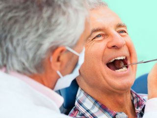 بهداشت دهان و دندان بازنشستگان