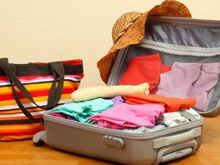 بستن چمدان برای سفر