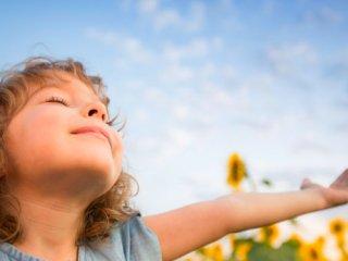 کودک و فصل بهار