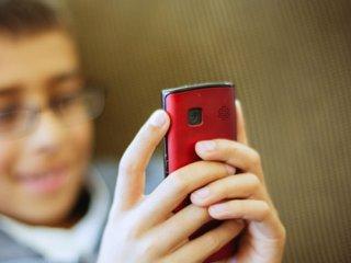 تأثیر تلفن های همراه بر اخلاق و رفتار دانش آموزان