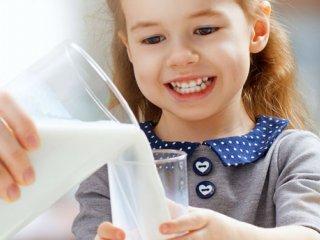 شیر: بهترین نوشیدنی برای کودکان