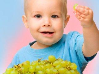 اهمیت و فایده مصرف انگور برای کودکان