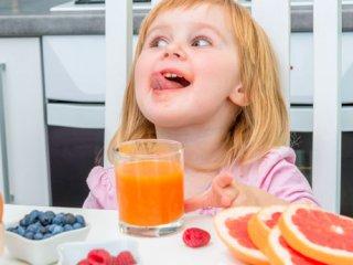 کودکان آب میوه واقعی بنوشند!