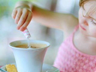 نوشیدنی های كافئینه تهدید جدید سلامت برای کودکان