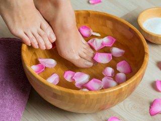 چطور از خشکی پوست پاها پیشگیری کنیم؟
