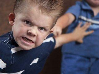 کودکان ما خشونت را از چه کسی می آموزند؟