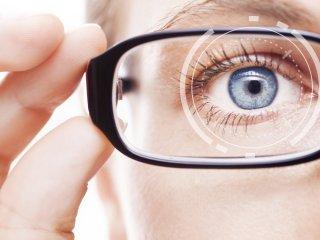 ۱۰ عادت ساده ای که به بینایی شما صدمه می زند