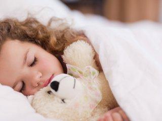 چرا بچه ها برای خوابیدن مقاومت می کنند؟
