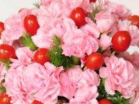 گل آرائی بـا گل ميخك و گوجه فرنگی مينيـاتوری