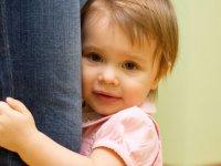 با کم رویی فرزندان خود چگونه مقابله کنیم؟
