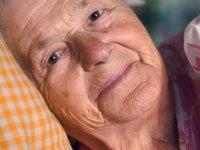 افزایش سن و تغییرات خواب و پوست