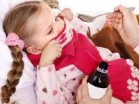 ۸ راهکار برای دارو دادن به کودکان