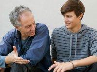 بلوغ و پاسخگویی به سوالات نوجوانان