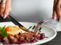 دلایل جامعه شناختی رفتن به رستوران