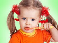 قدر دندانهای کودک را بدانیم!