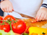 اگر کودک تان گوجه فرنگی نمی خورد