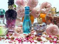 بهترین عطرهای تابستانی زنانه