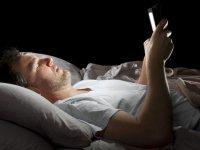 تأثیر امواج تلفن همراه بر کیفیت خواب