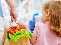 اهمیت انتخاب منابع غذایی سالم برای کودکان