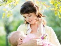 شیر مادر از دیدگاه طب سنتی