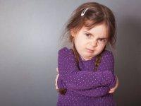 چرا کودک خود را لوس می کنیم؟