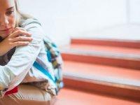 10 روش برای اینکه عزت نفس دختر نوجوان تان را بالا ببرید