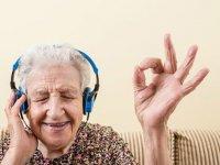 5 روش روحیه دادن به سالمندان