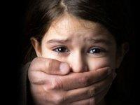 نگاهی به پدیده کودک آزاری و راهکارهای مقابله با آن