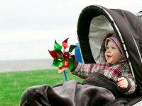فواید و مضرات کالسکه کودک