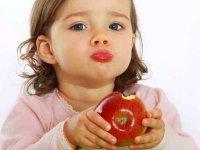 تقویت سیستم دفاعی کودکان از طریق تغذیه