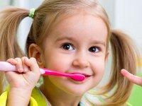 علت بروز اورژانس های دندانپزشکی در سن کم