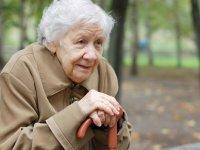 چگونه بايد با سالمندان رفتار کنیم؟