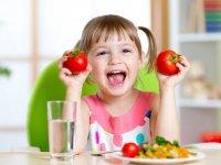 عادات و باورهای غلط تغذیه ای در کودکان و نوجوانان
