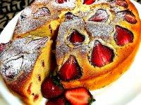 نان توت فرنگی، یک میان وعده خوشمزه برای فرزندتان