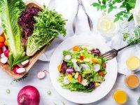 راهکارهای غذایی برای درمان یبوست