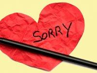 چرا بیش از اندازه عذرخواهی میکنیم؟