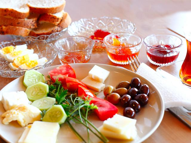 مردم کشورهای مختلف  صبحانه چه می خورند!