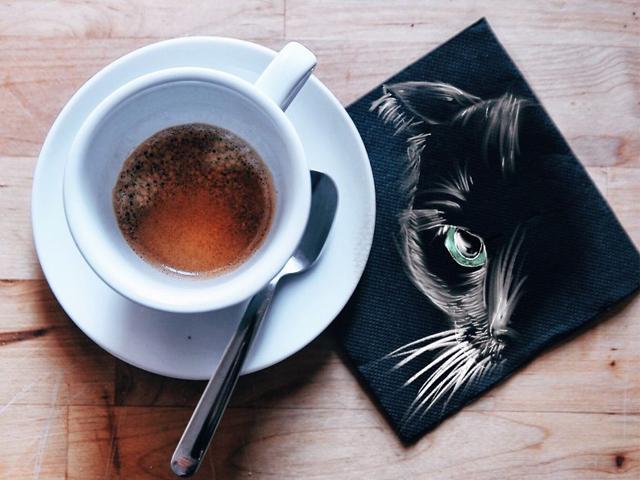 نقاشی روی دستمال کاغذی