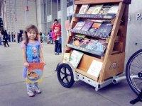 کتابخانه سیار کودکان