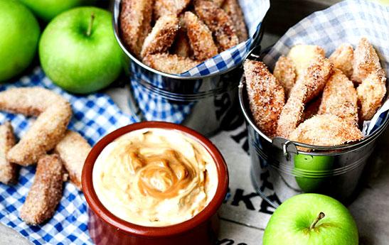 دسر سیب سرخکرده با طعم دارچین